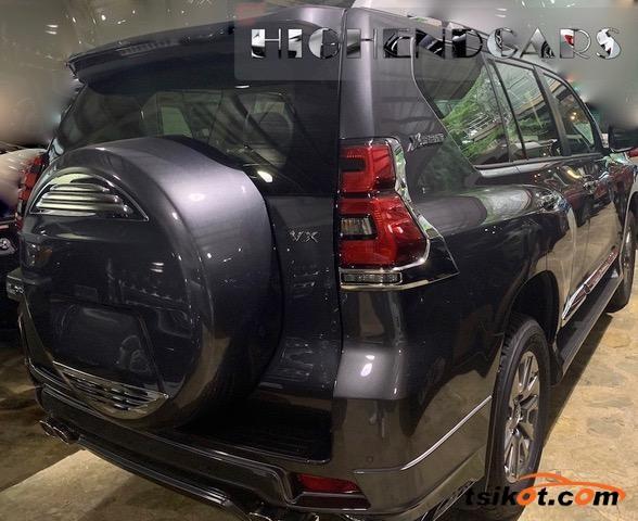 Toyota Land Cruiser Prado 2018 - 4