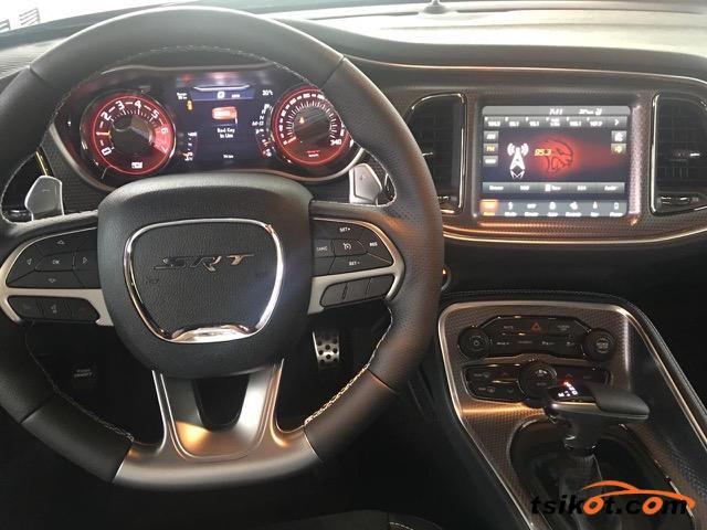 Dodge Challenger 2018 - 6