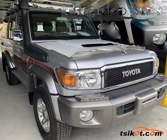 Toyota Land Cruiser 2017 - 5