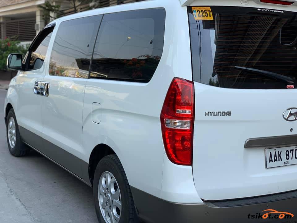 Hyundai Starex 2015 - 3