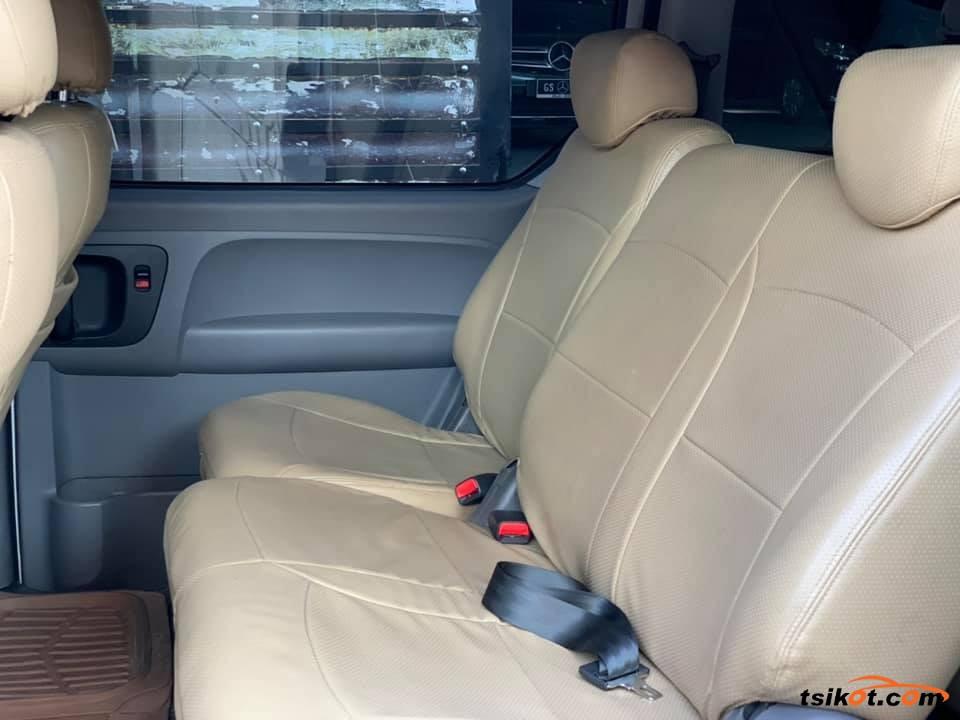 Hyundai Starex 2015 - 9