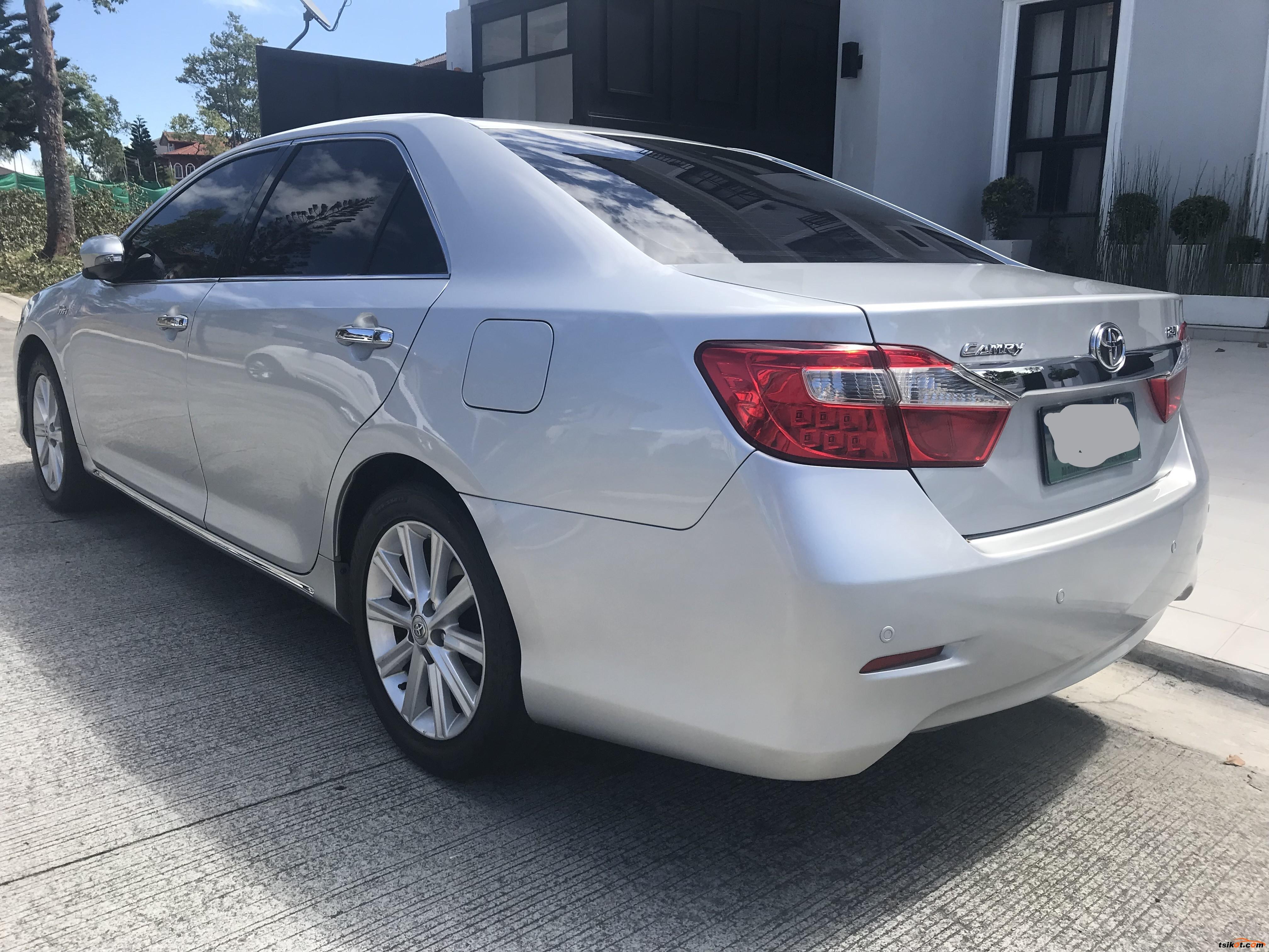 Toyota Camry 2013 - 3