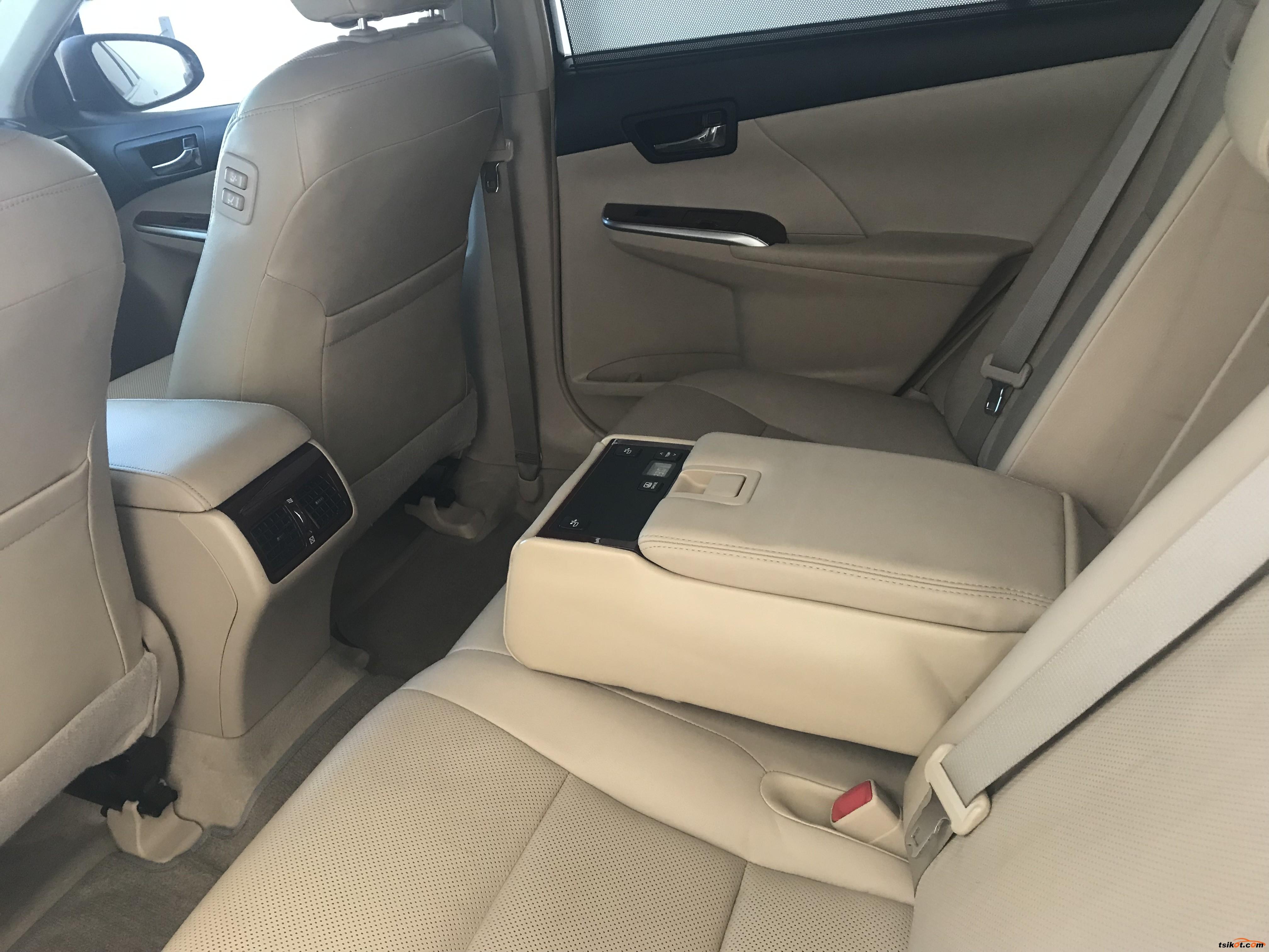 Toyota Camry 2013 - 8