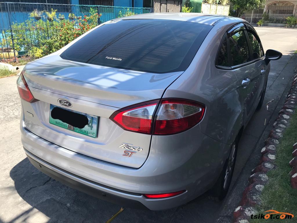 Ford Fiesta 2014 - 10
