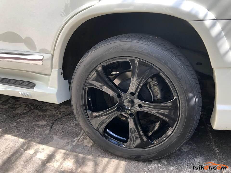 Toyota Land Cruiser 2013 - 8