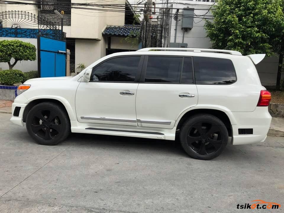 Toyota Land Cruiser 2013 - 6