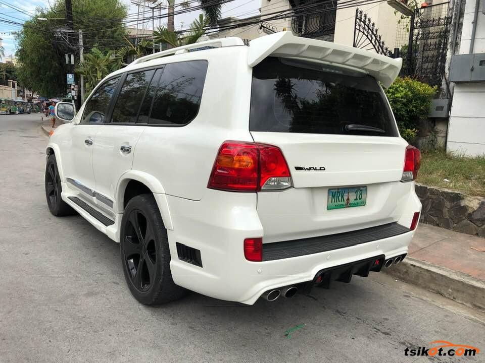 Toyota Land Cruiser 2013 - 4