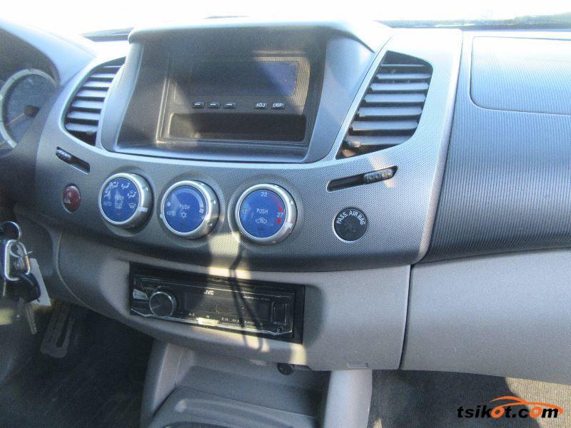 Mitsubishi L-200 2006 - 6