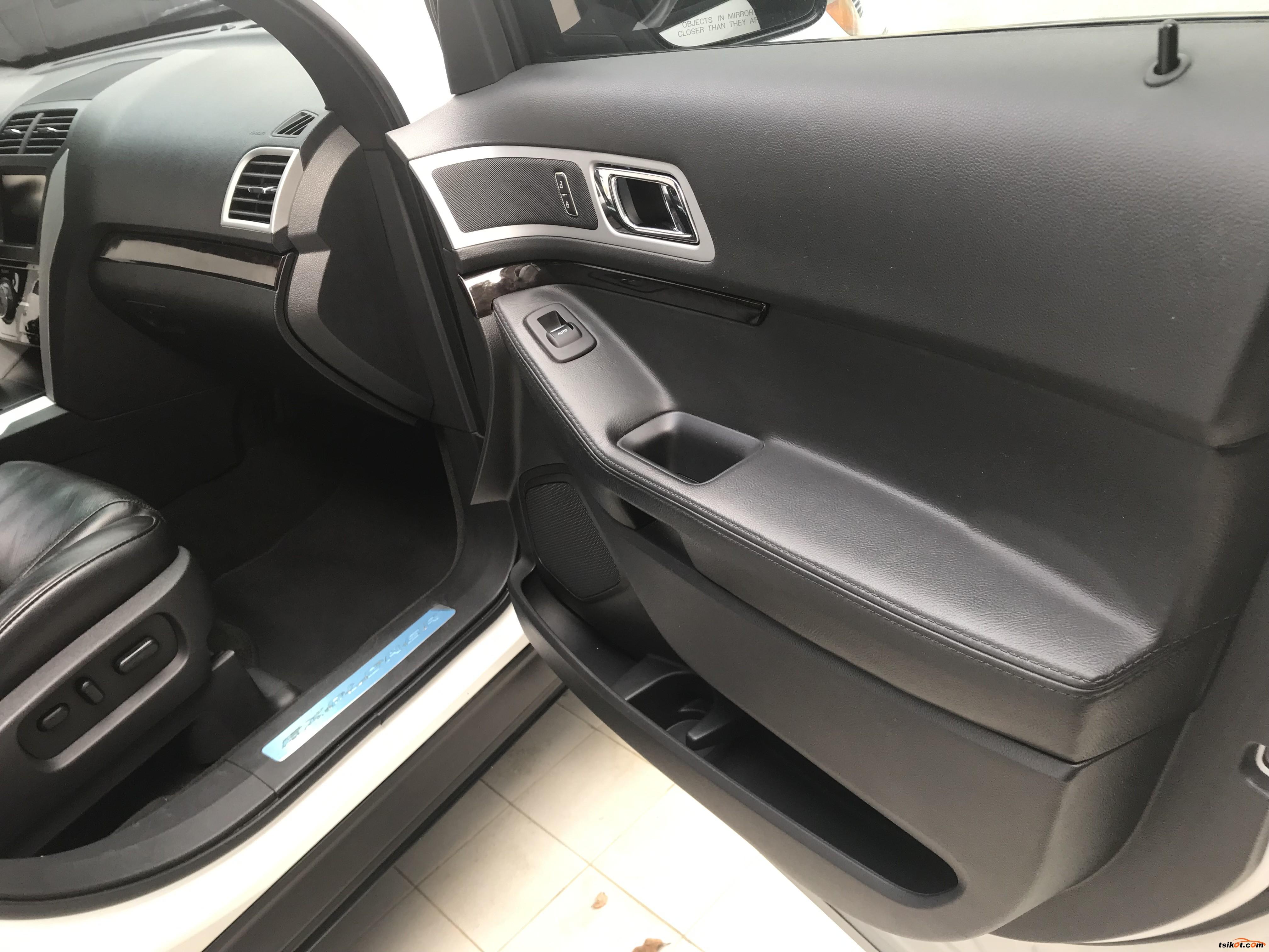 Ford Explorer 2012 - 8