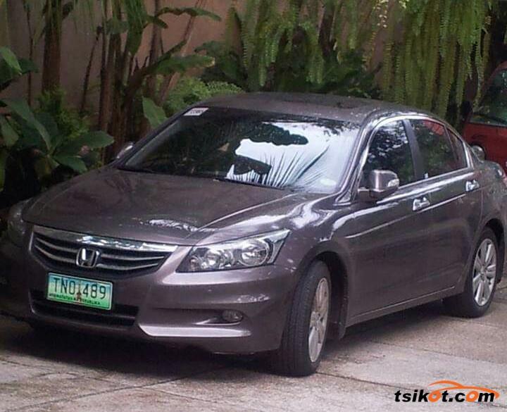 Honda Accord 2011 - 1