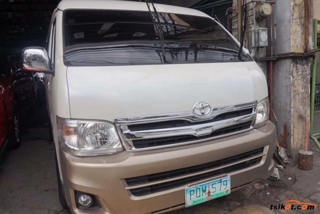 Toyota Hi-Ace 2011 - 2