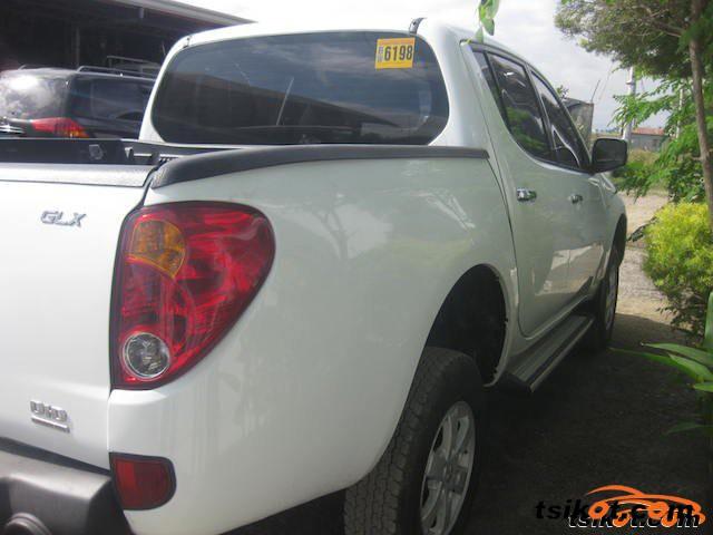 Mitsubishi Strada 2013 - 6