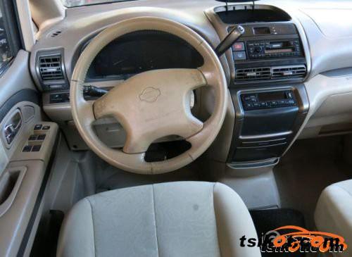 Nissan Serena 2002 - 1