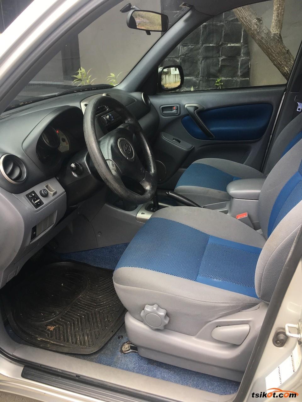 Toyota Rav4 2003 - 8