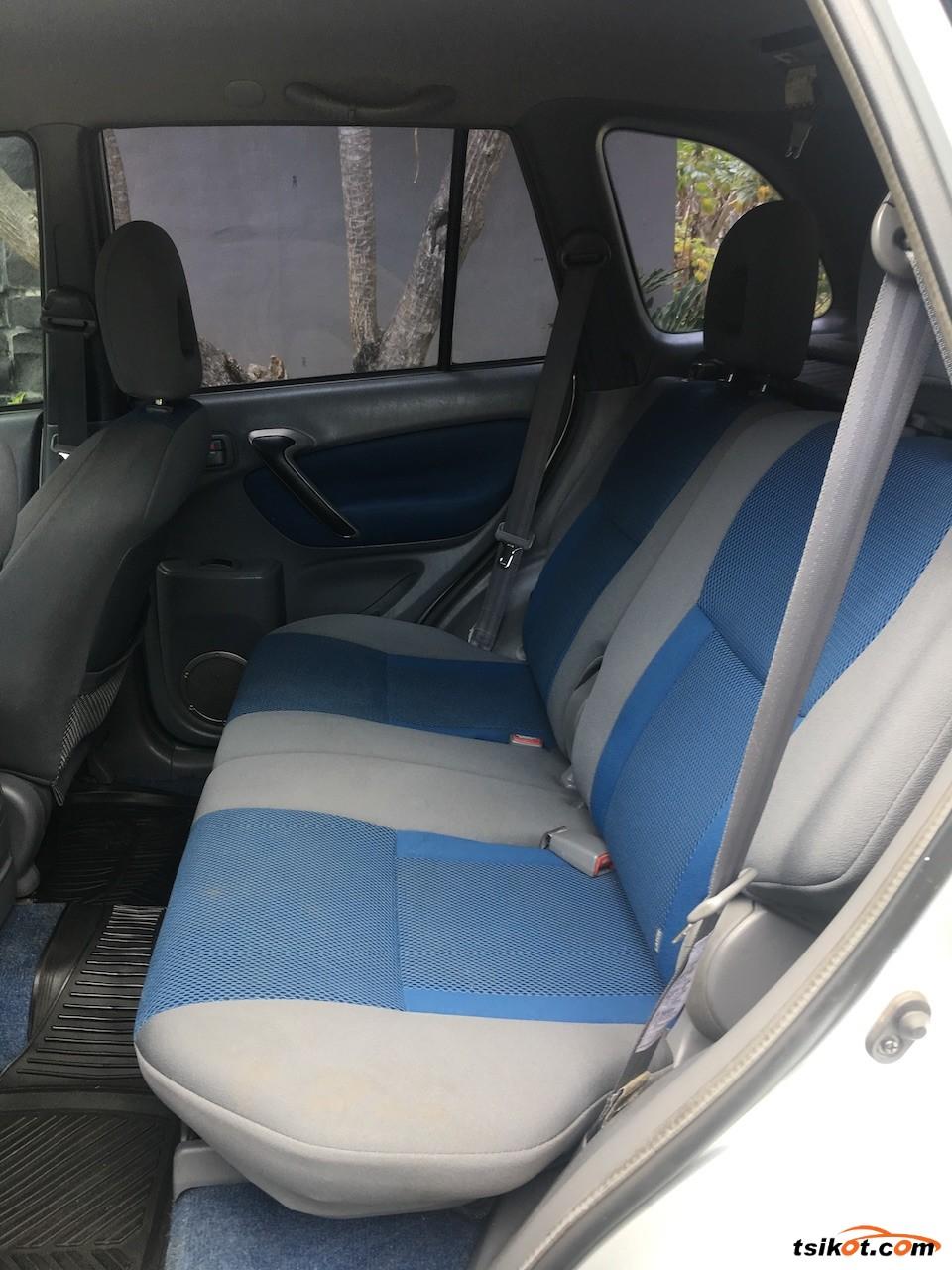 Toyota Rav4 2003 - 9
