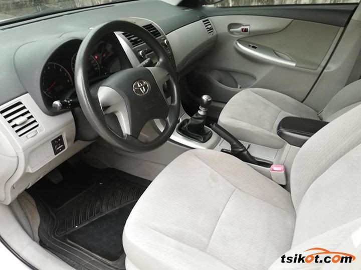 Toyota Corolla 2012 - 4