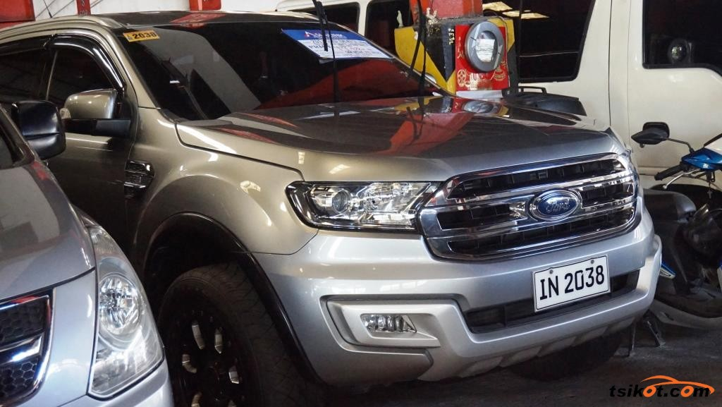 Ford Everest 2017 - 1