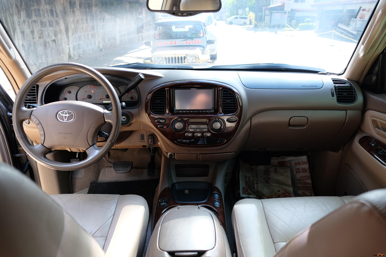 Toyota Sequoia 2003 - 7
