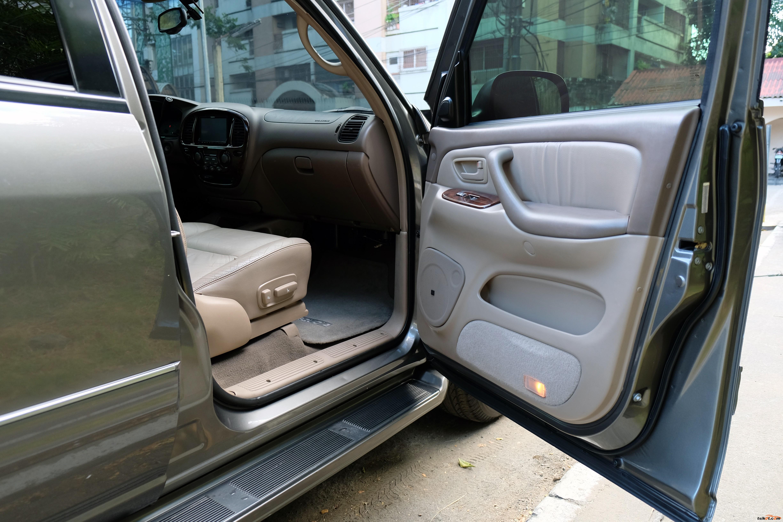 Toyota Sequoia 2003 - 8
