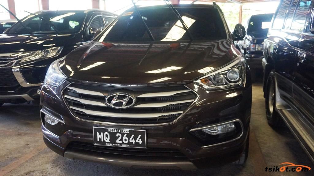 Hyundai Santa Fe 2016 - 1