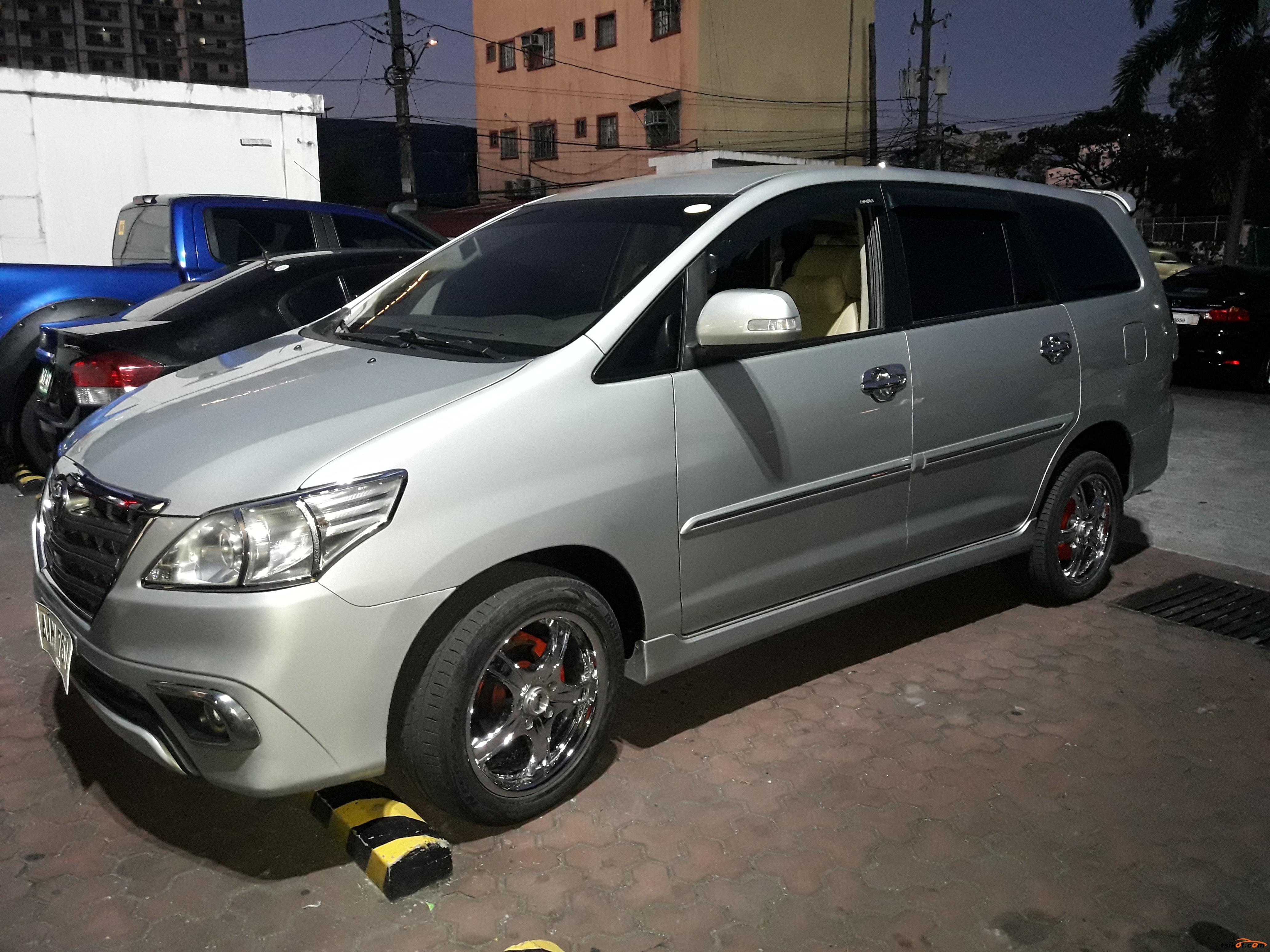 Toyota Innova 2014 - 1