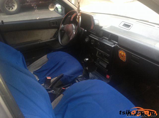 Mitsubishi Lancer 1991 - 6