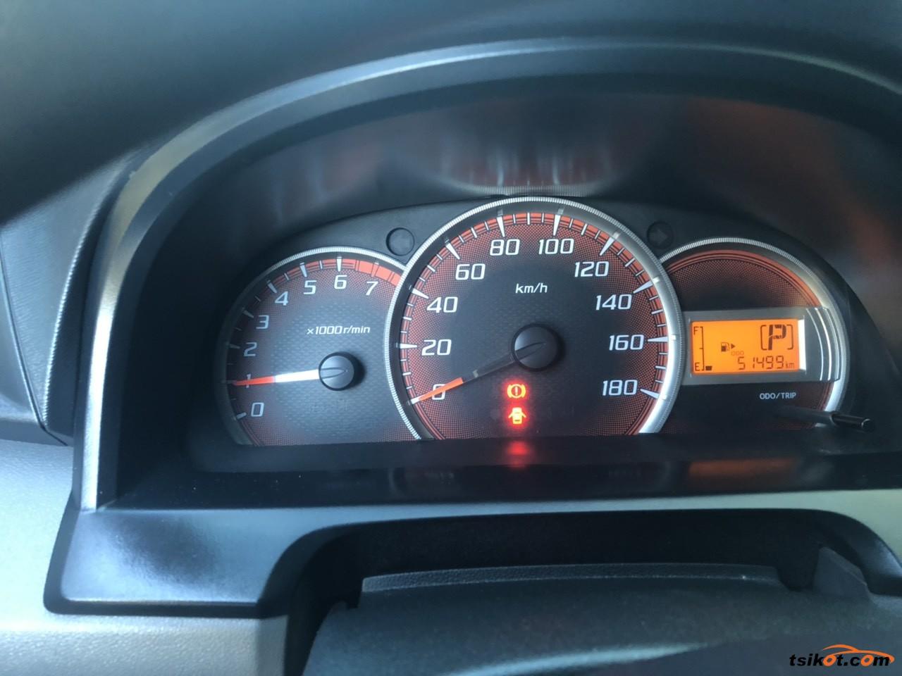 Toyota Avanza 2013 - 8