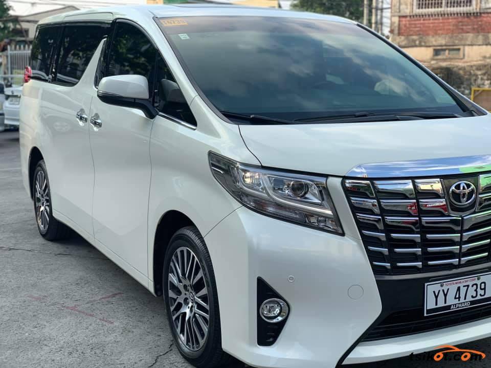 Toyota Alphard 2017 - 8