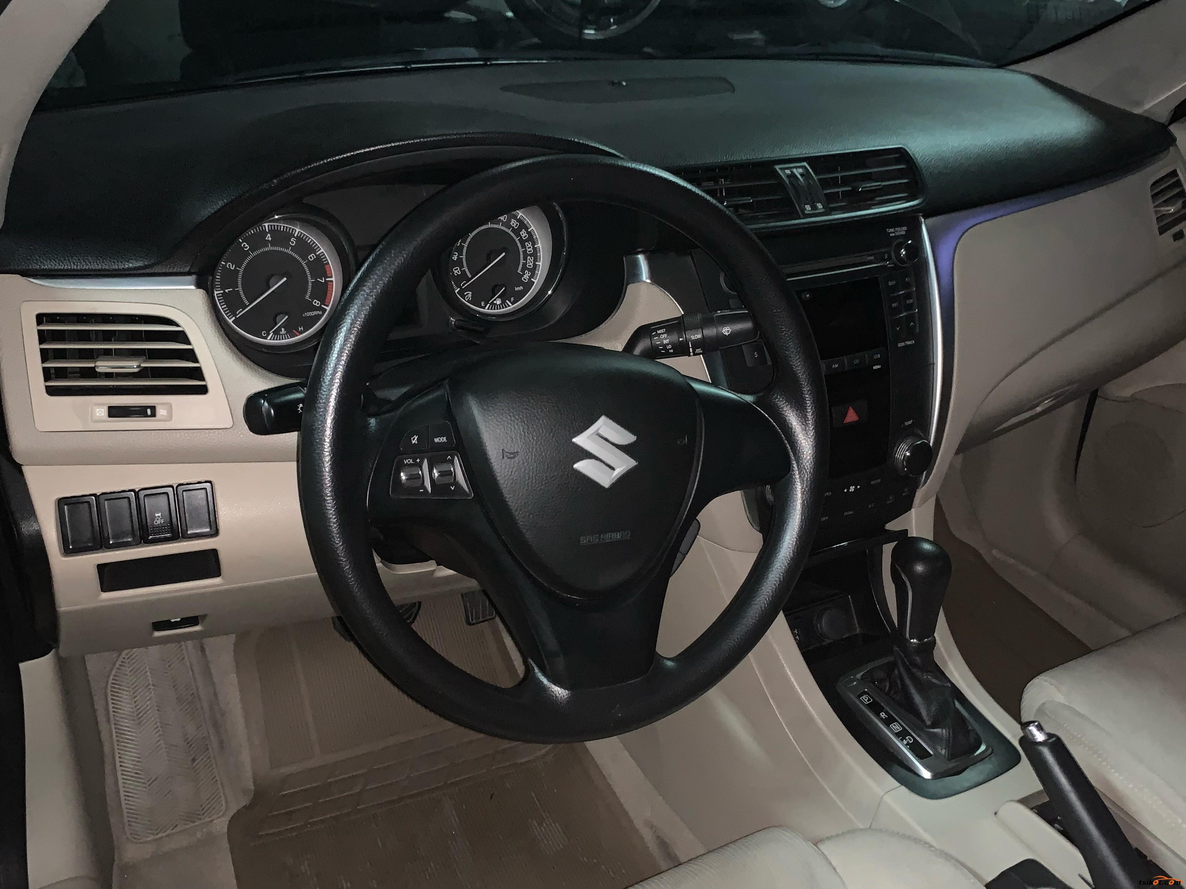 Suzuki Kizashi 2012 - 6