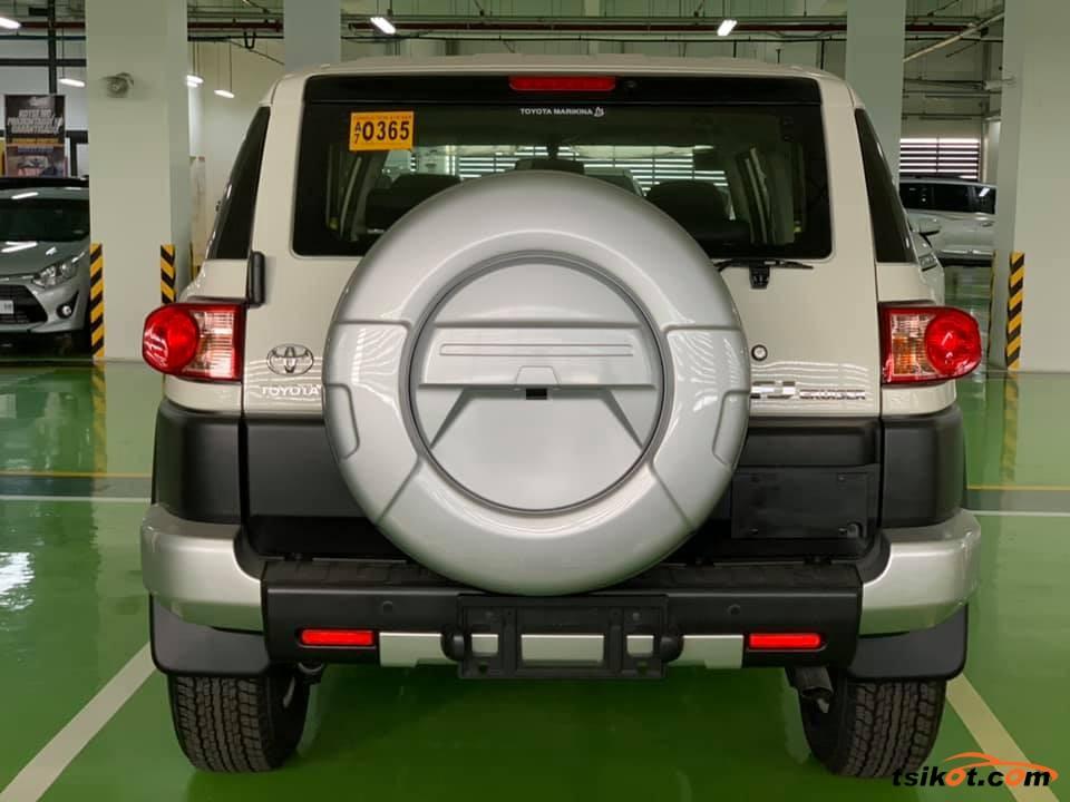 Toyota Fj Cruiser 2018 - 3