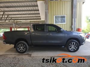 Toyota Hilux 2016 - 2