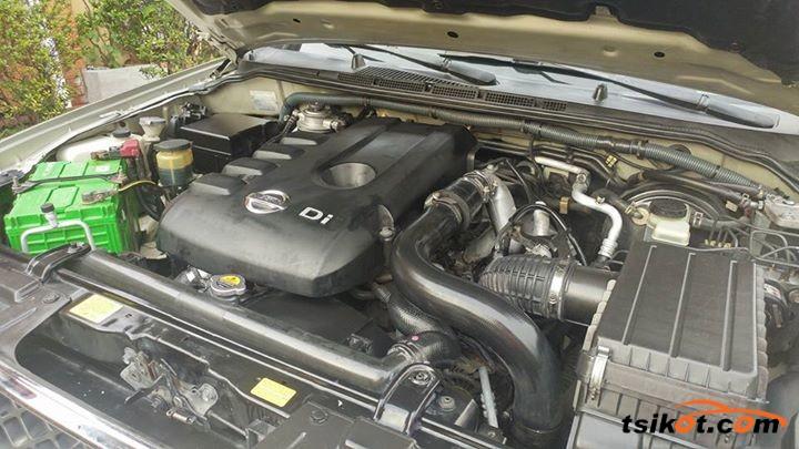 Nissan Navara 2010 - 9