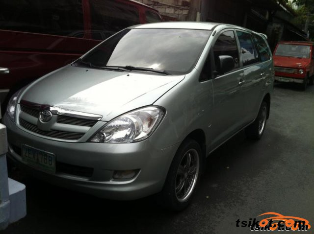 Toyota Innova 2008 - 1