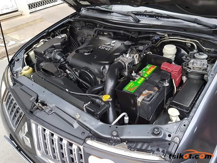 Mitsubishi Montero 2009 - 5