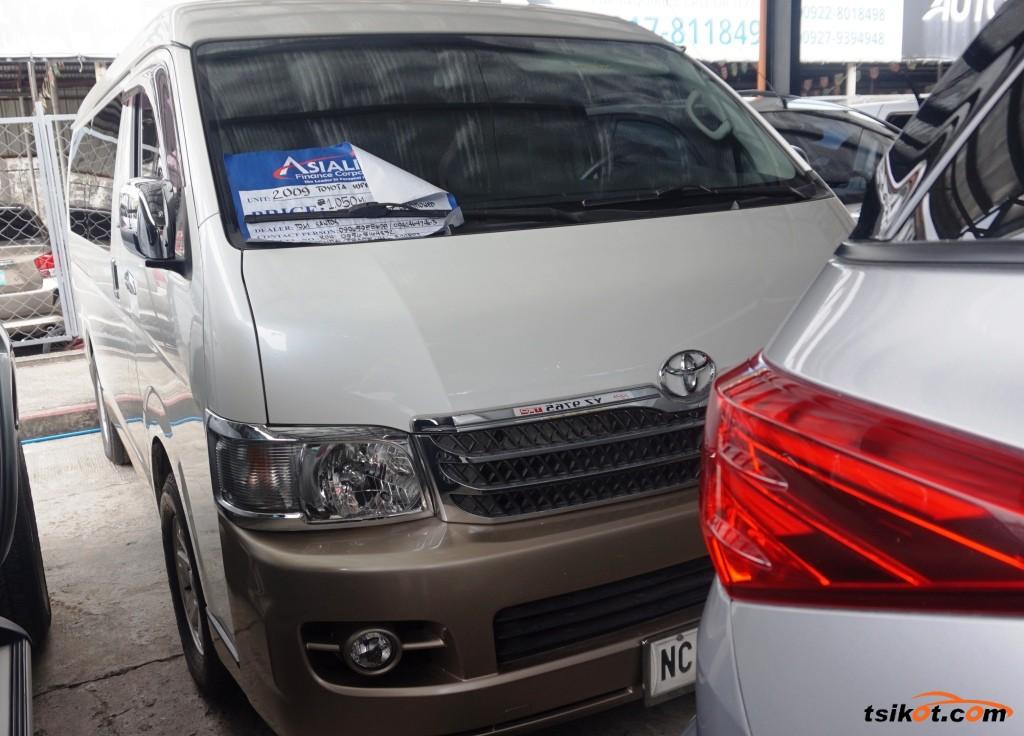 Toyota Hi-Ace 2009 - 1
