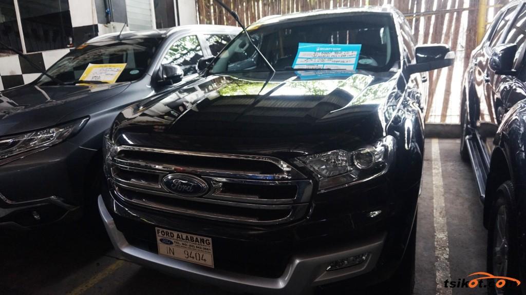 Ford Everest 2017 - 1