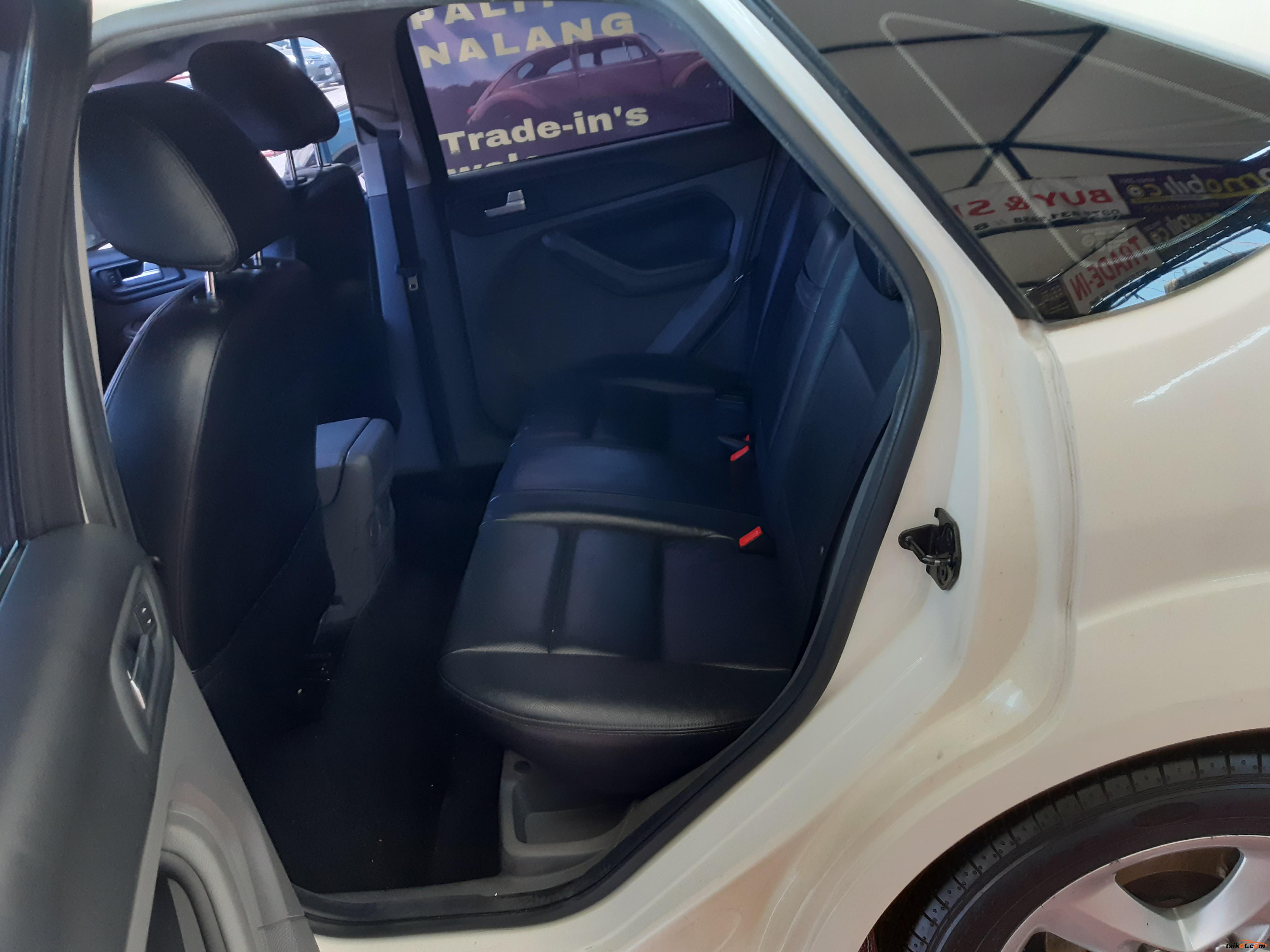 Ford Focus 2010 - 3