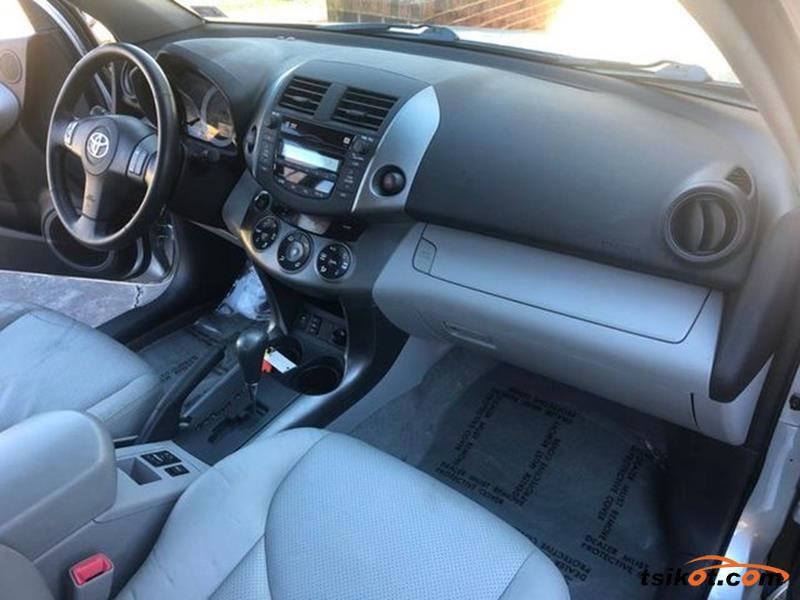 Toyota Rav4 2009 - 7