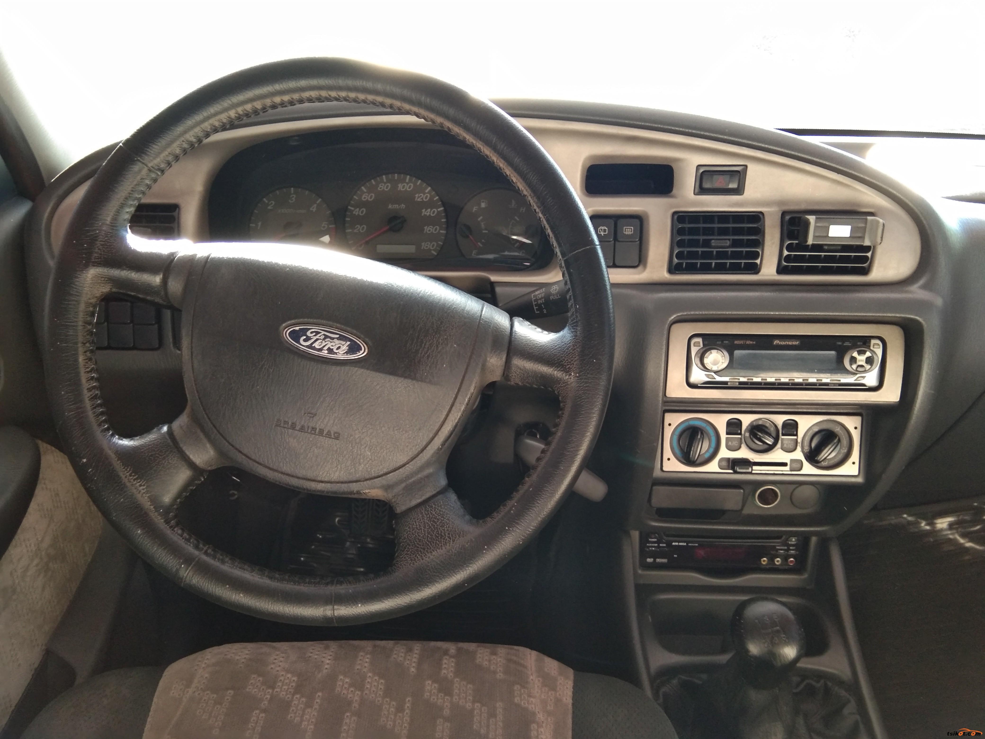 Ford Everest 2005 - 6