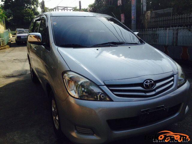 Toyota Innova 2011 - 5