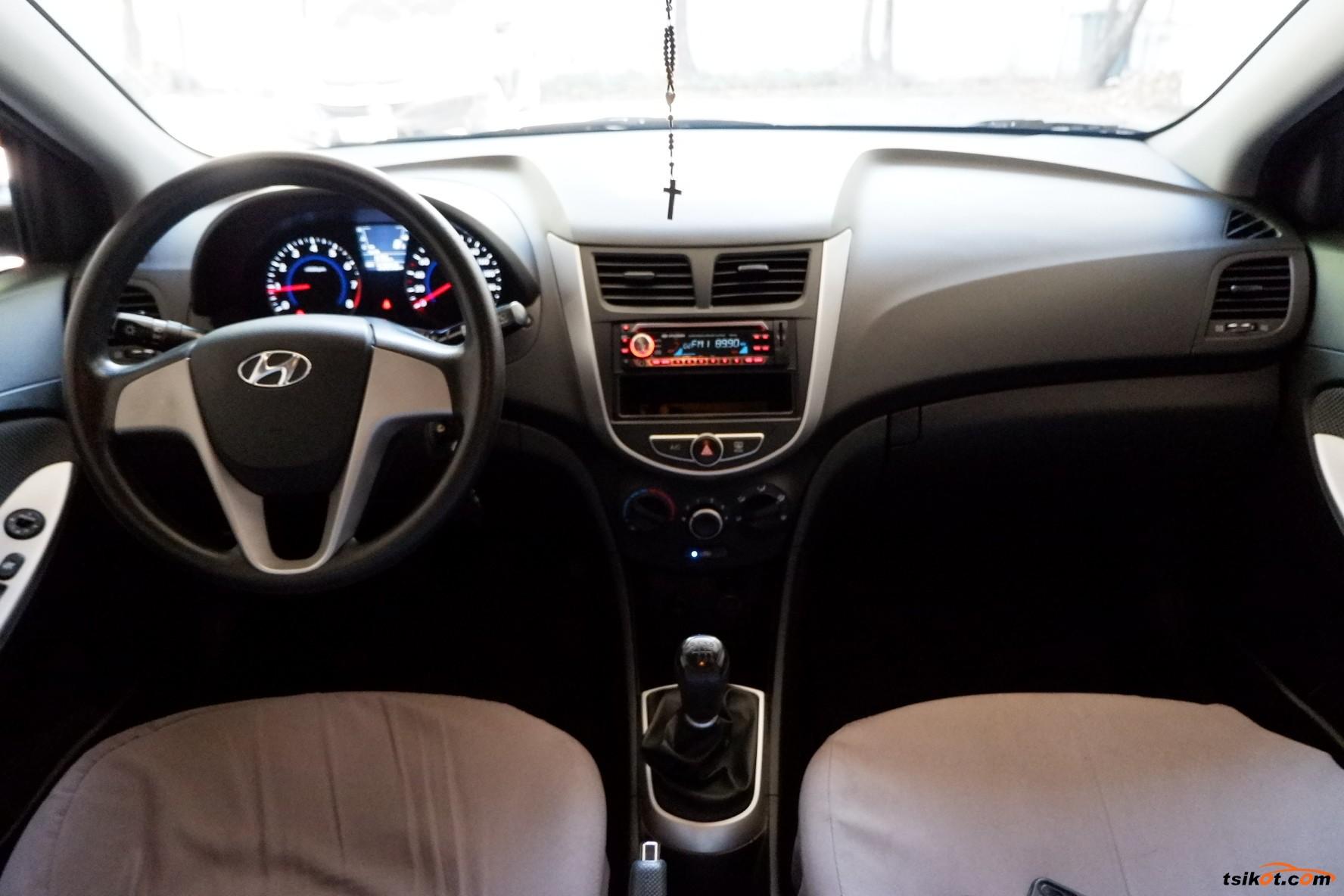 Hyundai Accent 2014 - 5