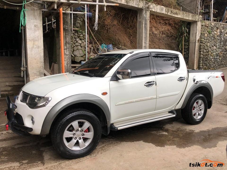 Mitsubishi Strada 2009 - 1