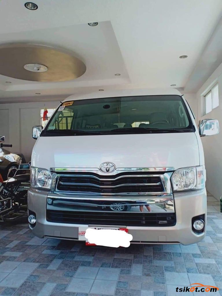 Toyota Hi-Ace 2017 - 4