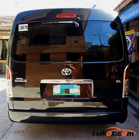 Toyota Hi-Ace 2012 - 2