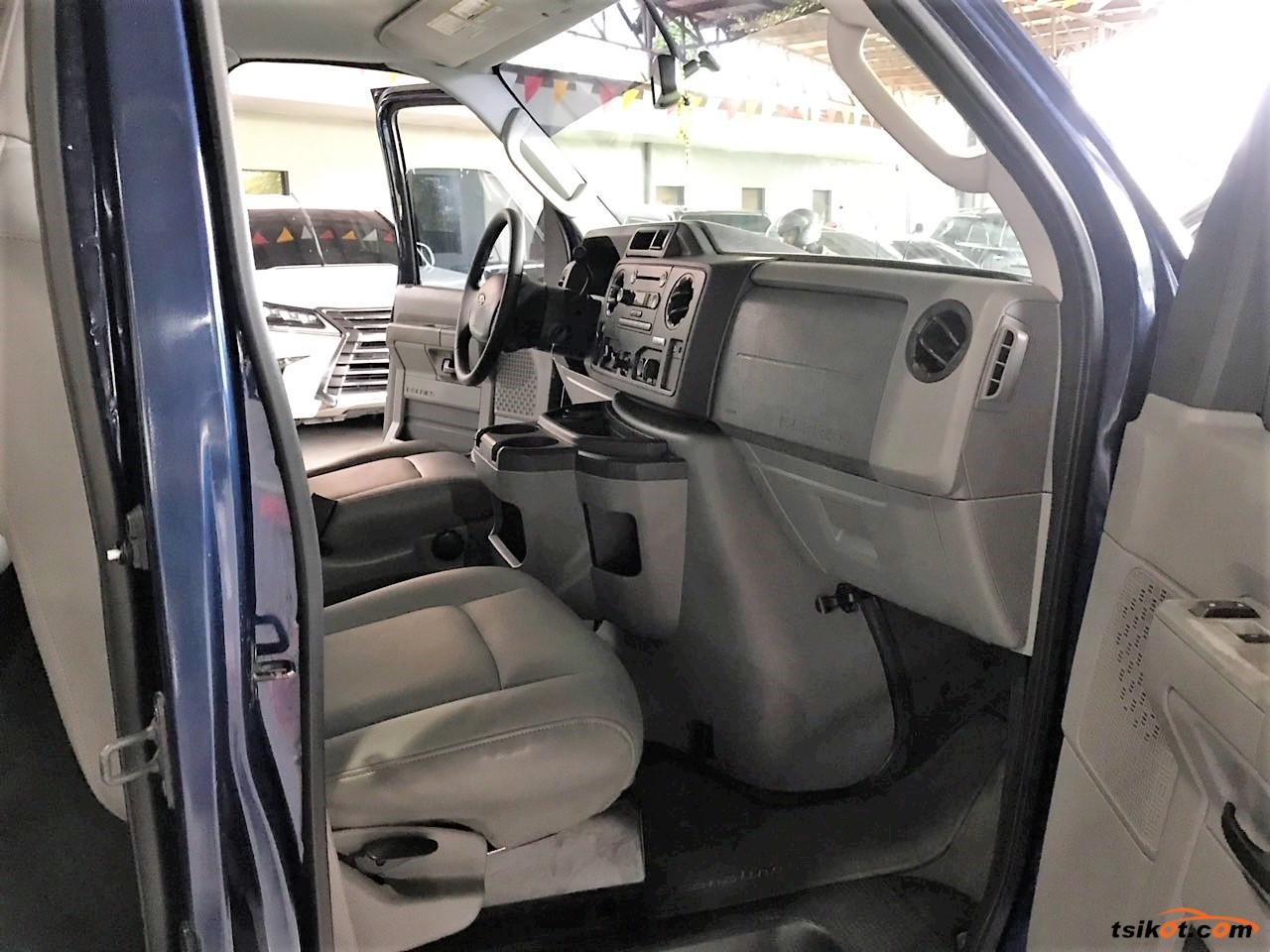 Ford E-150 2011 - 6