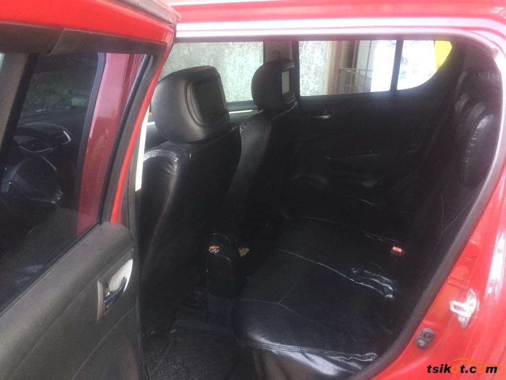 Suzuki Swift 2012 - 4