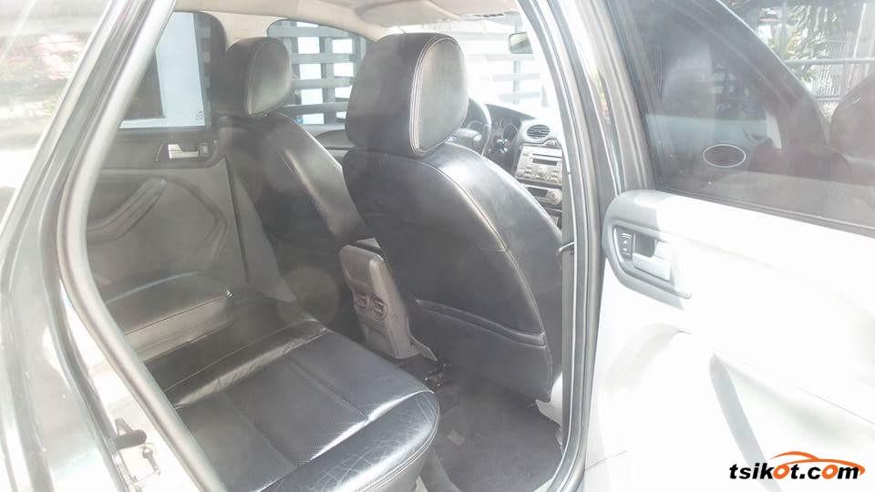 Ford Focus 2010 - 4