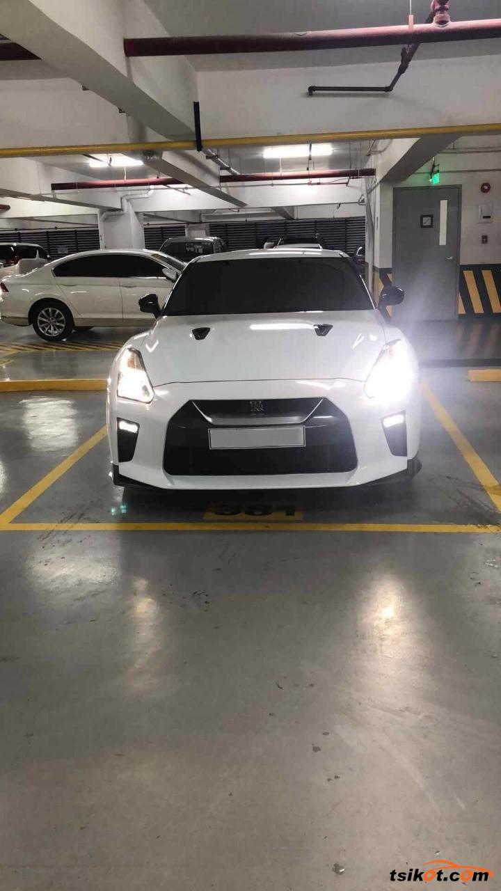 Nissan Gt-R 2018 - 2
