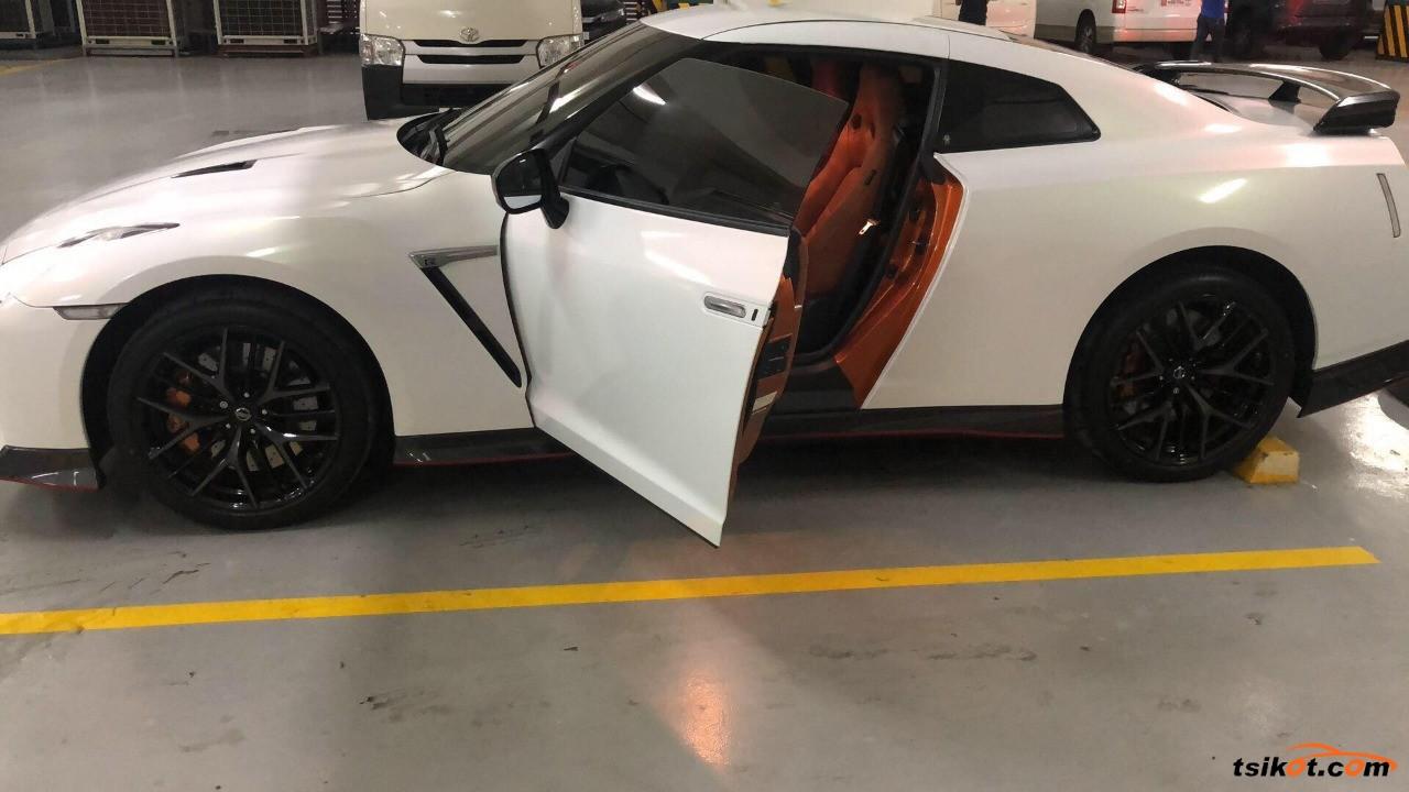 Nissan Gt-R 2018 - 1
