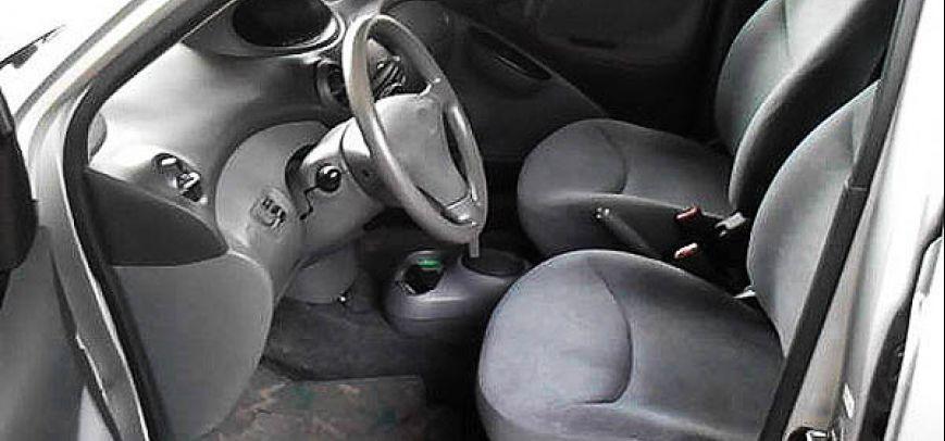 Toyota Vitz 2005 - 7